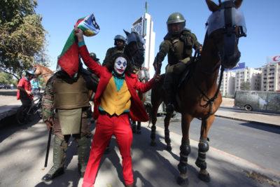 Diputados de oposición trabajan en proyecto para prohibir uso de animales en protestas