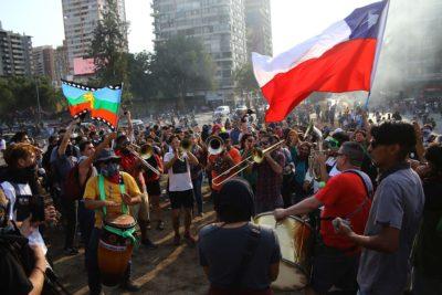 Cadem: apoyo a las movilizaciones sociales aumenta a 66%