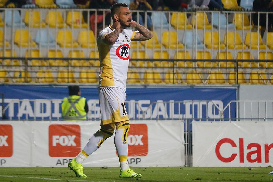Conmebol castiga a Mauricio Pinilla con dos partidos y una multa por su expulsión en Copa Sudamericana