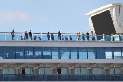 Cruceros desembarcaron en Punta Arenas pese a prohibición: vecinos bloquearon el paso por temor al coronavirus