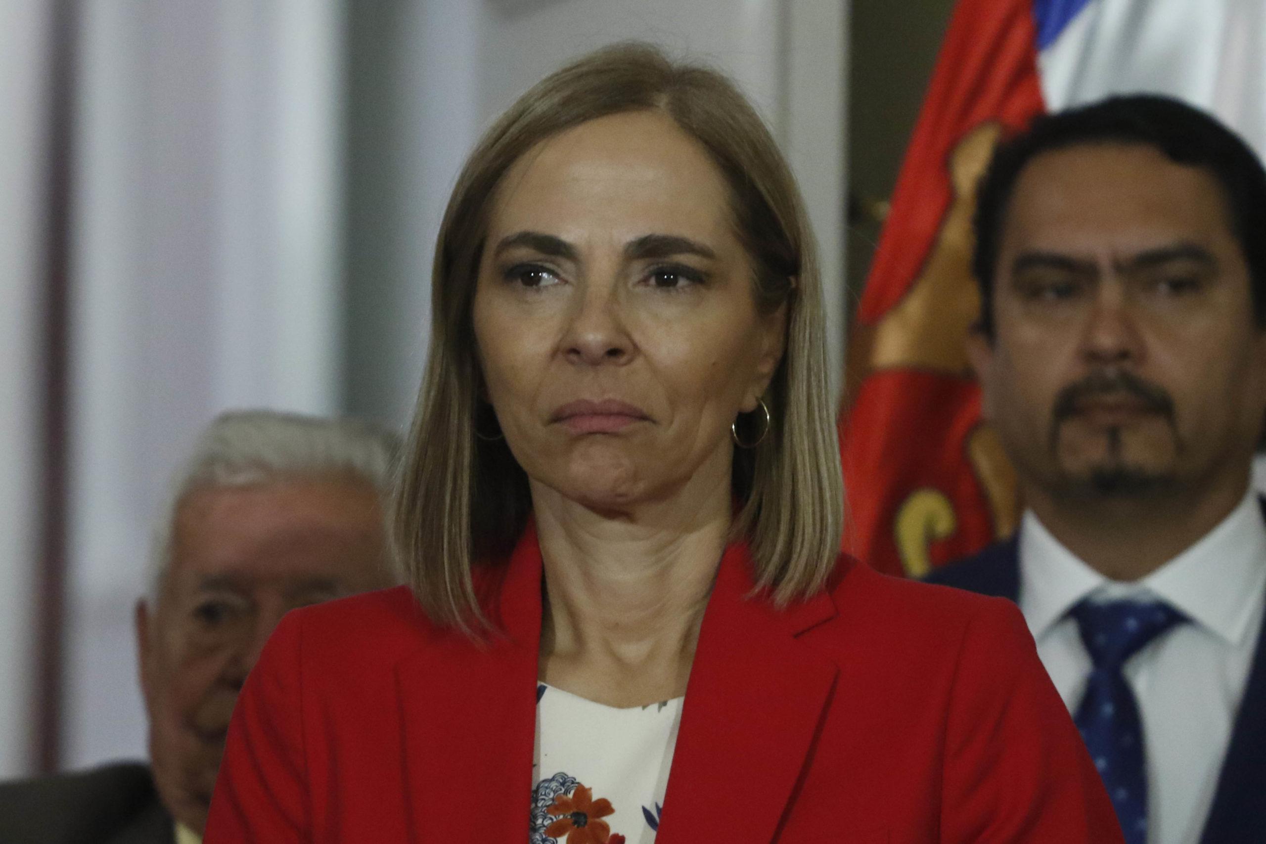 Isabel Plá cede a las presiones y renuncia al Ministerio de la Mujer