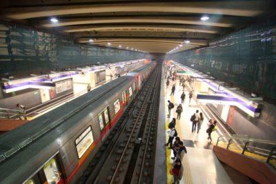 Metro cierra varias estaciones por protestas de estudiantes secundarios
