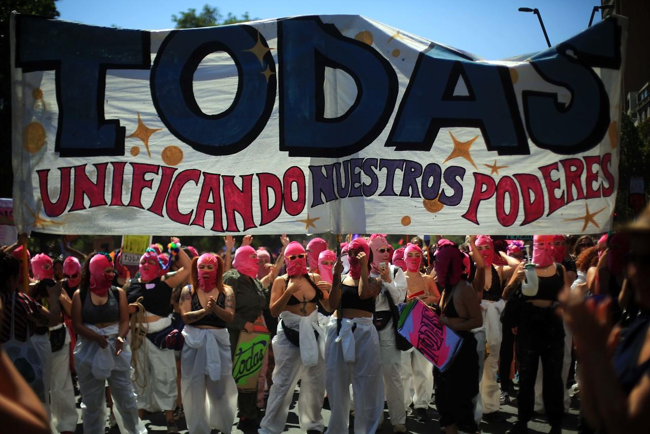 Coordinadora 8M pide fin al terrorismo de Estado y exige la renuncia de Piñera