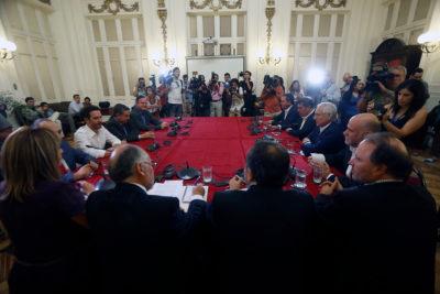 Agenda social, pueblos originarios y financiamiento: la estrategia de los presidentes de partidos para llevar a cabo el plebiscito