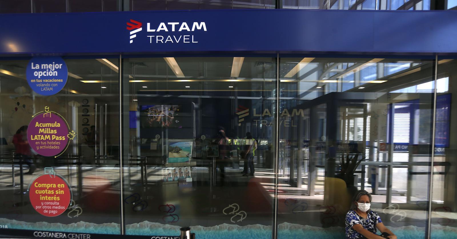Latam realiza vuelos especiales a Rapa Nui: llevan insumos y trasladan a pasajeros varados