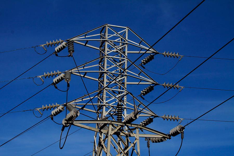 """""""Corte de energía eléctrica afectó a 500 mil clientes en todo el país"""""""