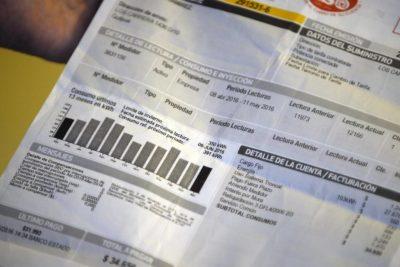 Diputados RN y PC piden suspensión de pago de servicios básicos por tres meses