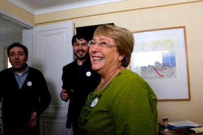 """Bachelet: """"Más mujeres en política es la base para lograr mejores sociedades"""""""