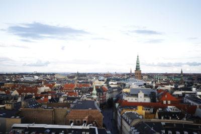 """Chilenos en Alemania y Dinamarca relatan cómo se percibe la contingencia sanitaria desde los países con """"mejor manejo"""""""