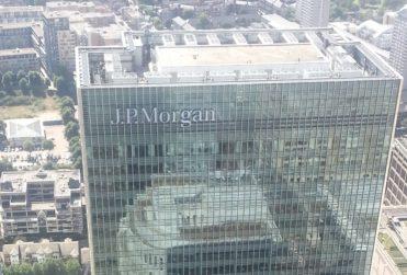 JP Morgan apuesta por estrategia chilena contra el coronavirus