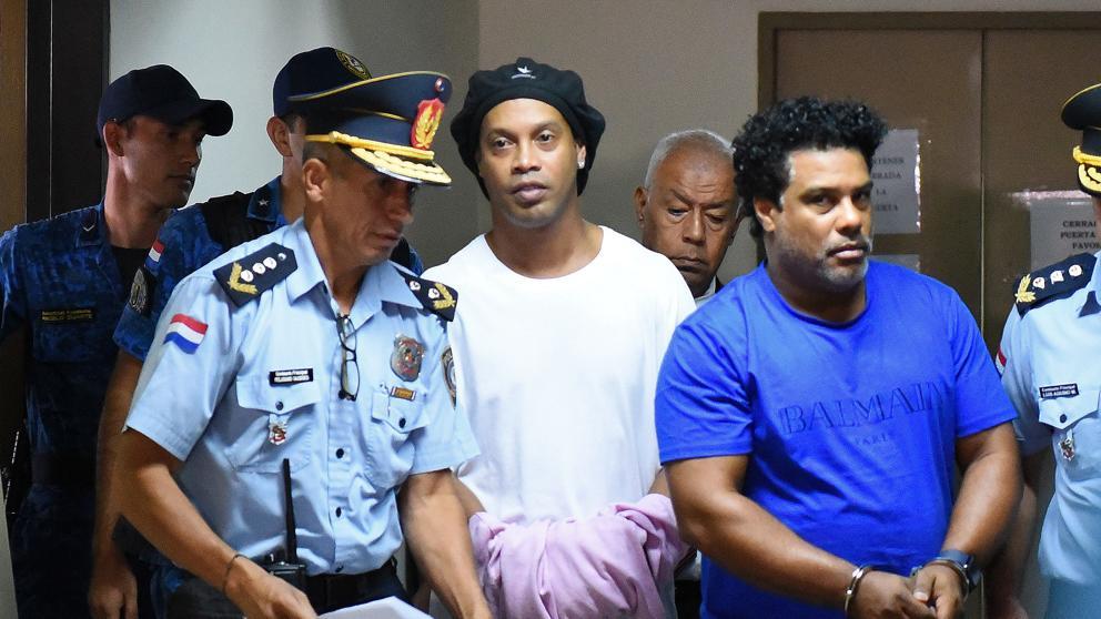 Paraguay: dan a conocer la primera imagen de Ronaldinho en prisión