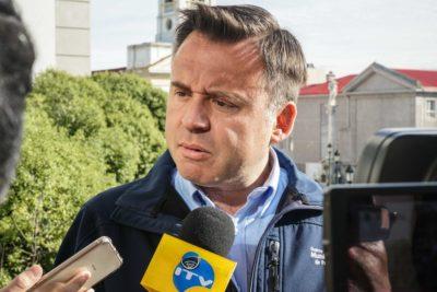 Alcalde de Punta Arenas en cuarentena por contacto con contagiado con coronavirus