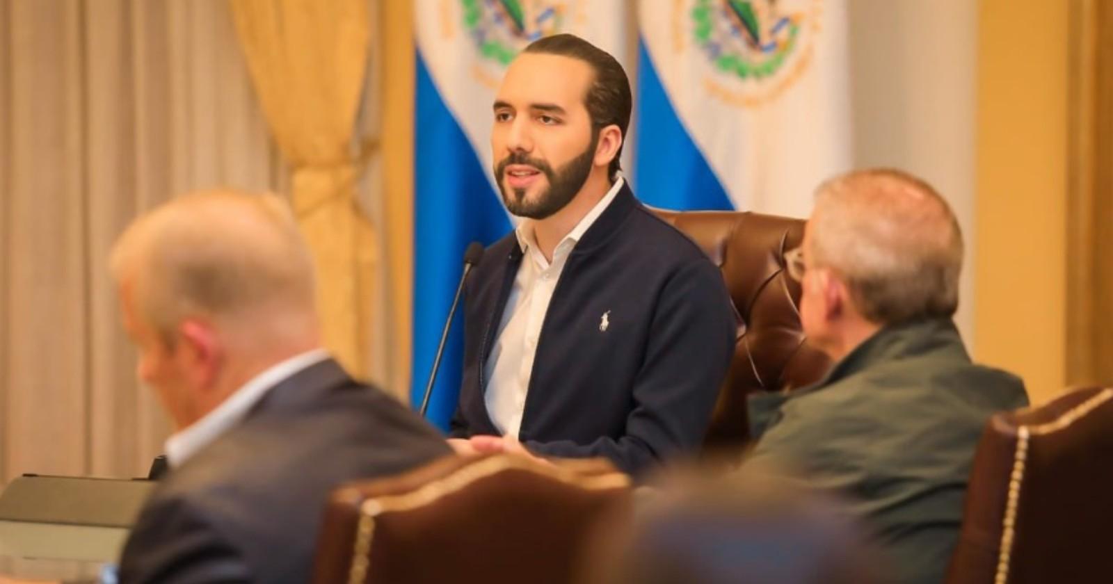 """""""Nayib Bukele, el populista millenial que llenó el Congreso salvadoreño con militares"""""""