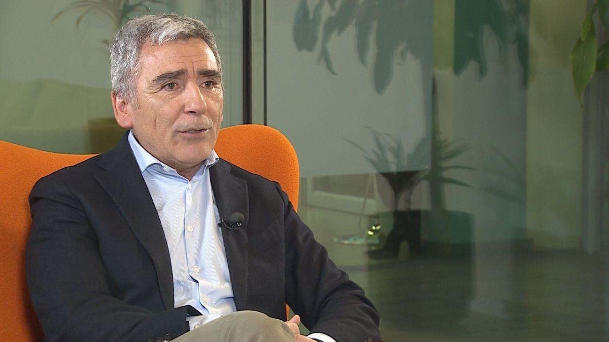 """""""Mírate tú, la corbata que llevas, el reloj que llevas"""": Carlos Peña le explica la desigualdad a Fernando Paulsen"""