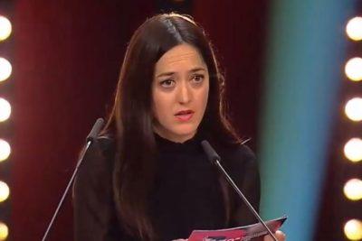 """""""Estamos pidiendo dignidad"""": el discurso sobre el estallido social de la cineasta Dominga Sotomayor en el cierre de la Berlinale"""