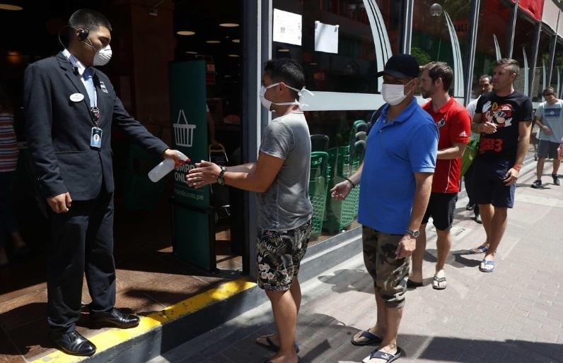 Perú confirma tres personas fallecidas por coronavirus