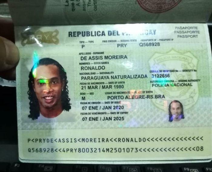 Ronaldinho seguirá en prisión preventiva en Paraguay por caso pasaportes falsos