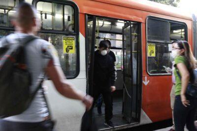 Sujeto apuñaló a chofer del Transantiago que le exigió el uso de mascarilla