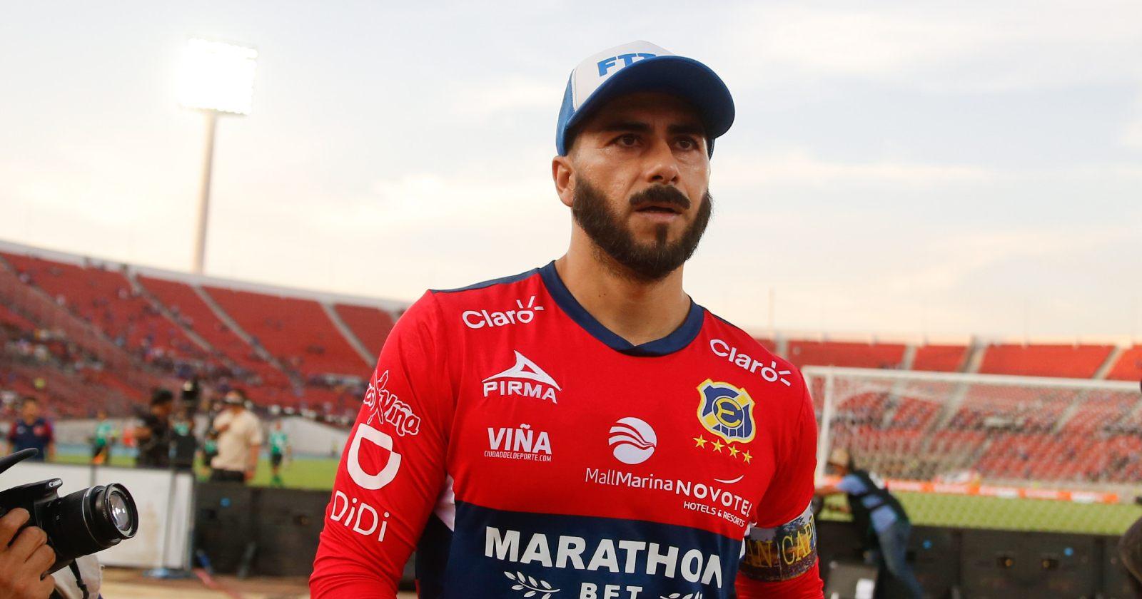 """Johnny Herrera entrega su apoyo a Mañalich: """"Se saca la cresta, hay que dejarlo trabajar"""""""