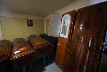 Coronavirus: Funerarias implementarán uso de guantes y mascarillas