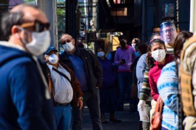 Coronavirus según Cadem: 75% cree que la cifra de contagios es mucho mayor a la oficial