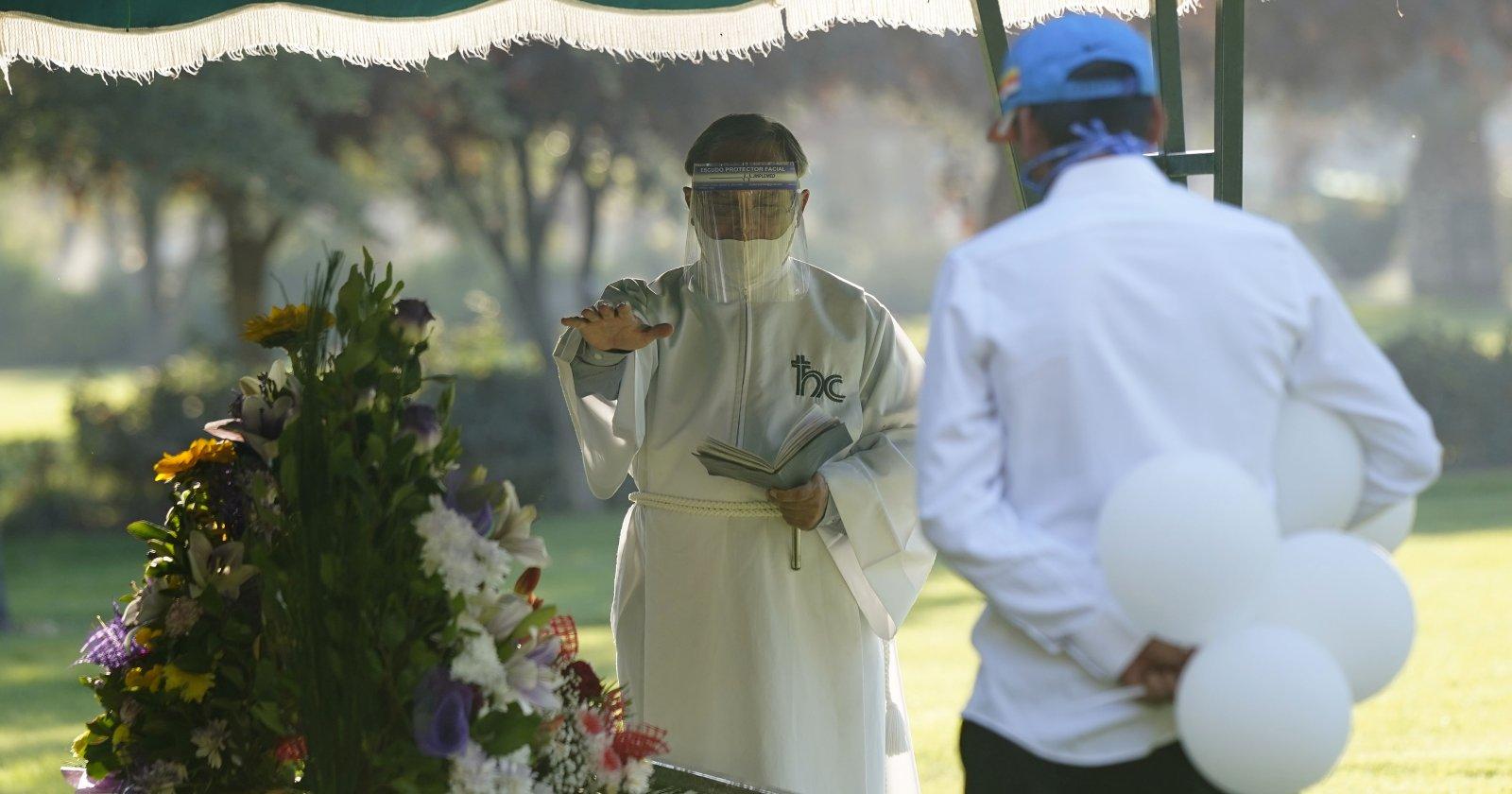 Las fatalistas predicciones del coronavirus en Chile que no se cumplieron