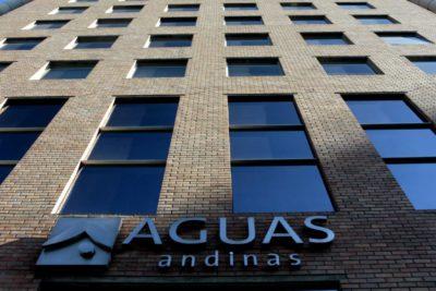 Evitar despidos durante la crisis sanitaria: el acuerdo que firmó Aguas Andinas con sus empresas contratistas