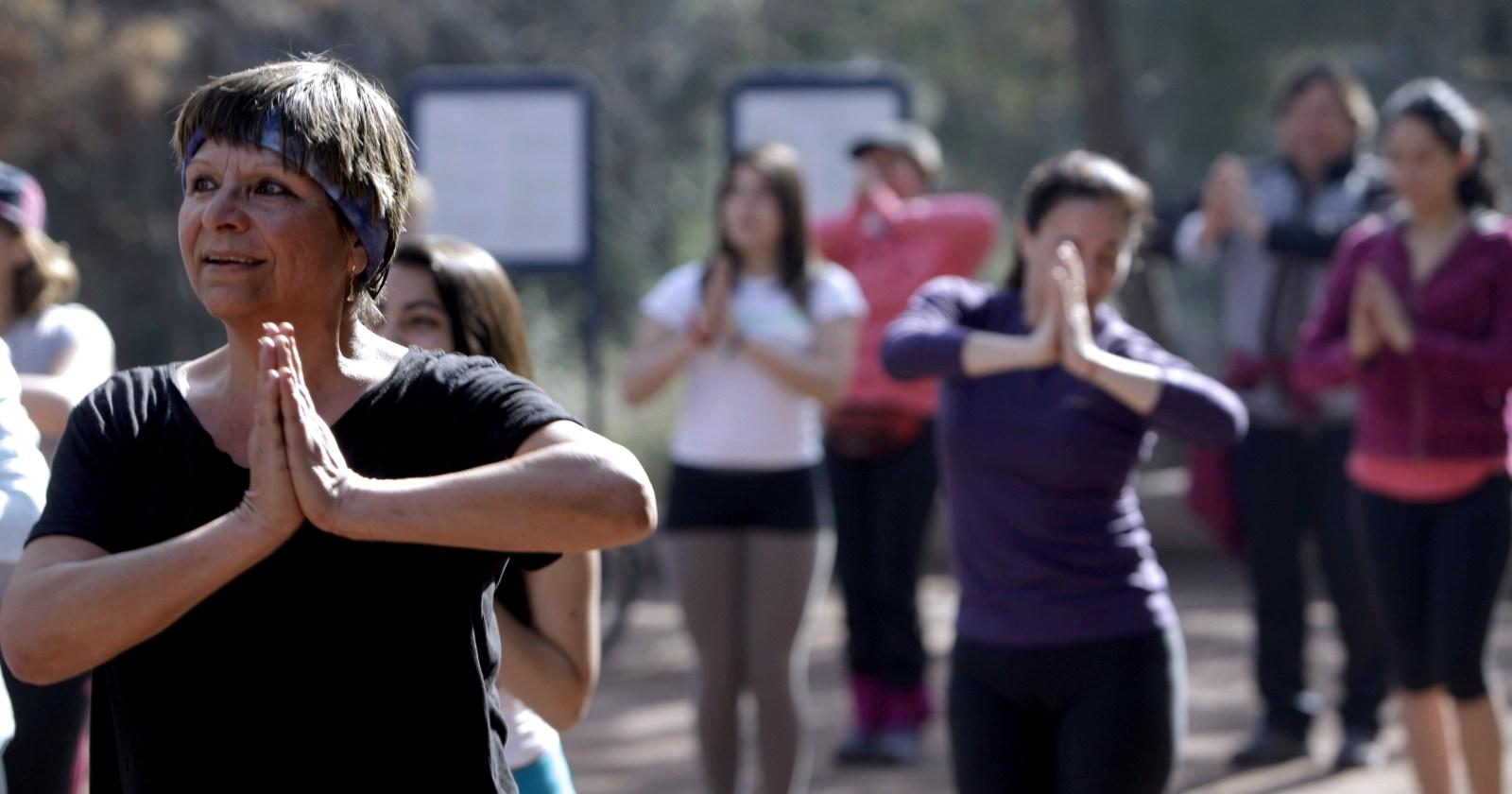 Lanzan programa de clases online para que adultos mayores se ejerciten durante cuarentena
