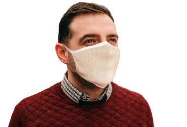 Monarch detiene producción de calcetines para fabricar mascarillas contra coronavirus