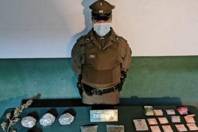 Detienen a traficante en Copiapó: decomisaron más de mil dosis de marihuana, armas y dos millones de pesos en efectivo