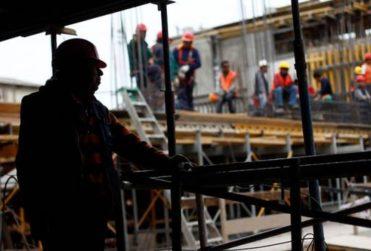 Prohibir despidos y salvar a empresas estratégicas para el Estado: las propuestas de la oposición para enfrentar la crisis económica