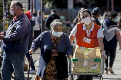 Coronavirus, tercera edad y demencias: 200 mil personas en Chile enfrentan una de las caras más duras de la pandemia