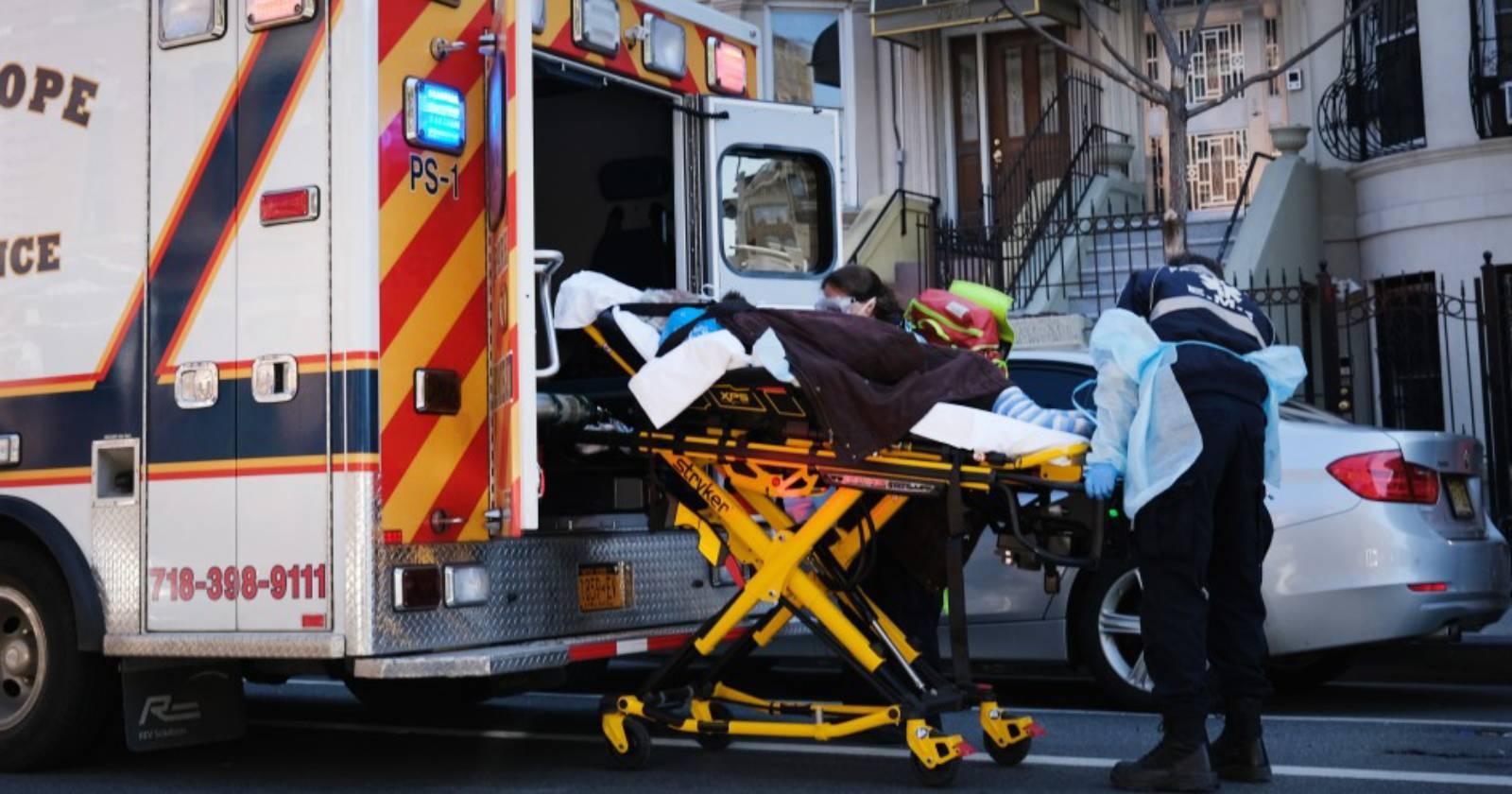 """""""Estados Unidos supera las 2.500 muertes diarias a causa del coronavirus"""""""