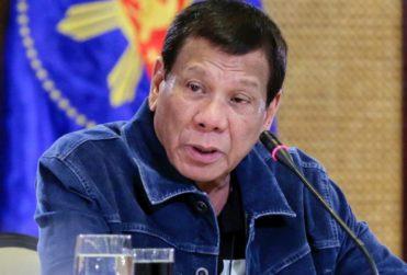 """""""A cambio de causar problemas, te enviaré a la tumba"""": Dueterte ordena matar a quienes no respeten la cuarentena"""