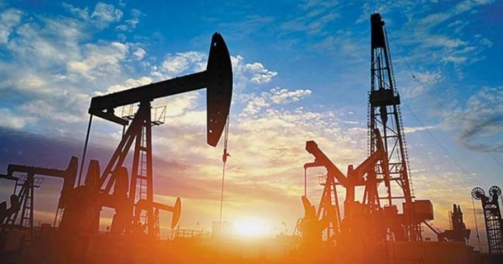"""""""Precio del petróleo se desploma: llega a menos de US$0 por barril"""""""