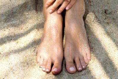 Detectan que manchas en los pies podrían ser un nuevo síntoma del coronavirus en niños