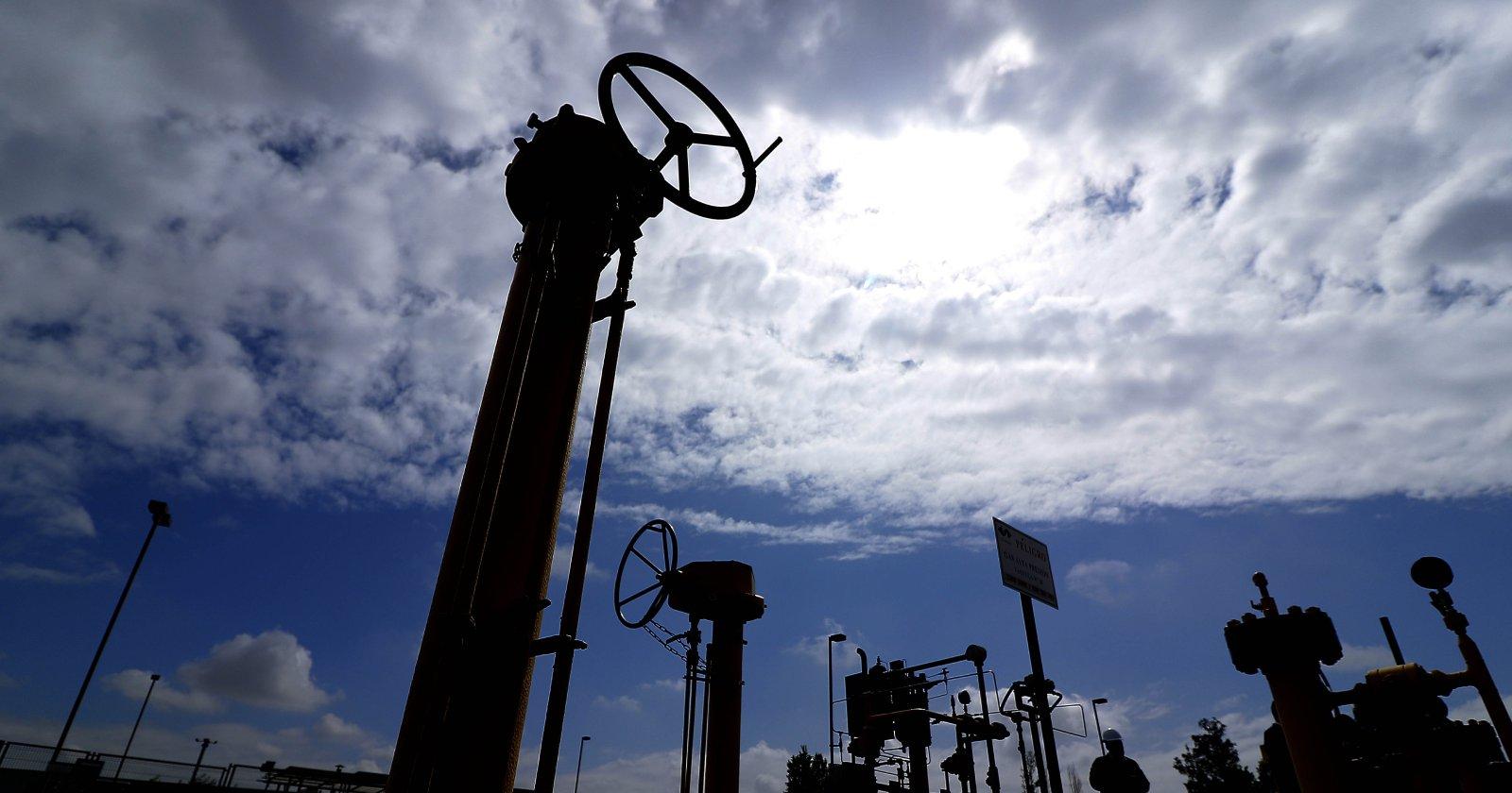 """""""La pugna por el gas natural que enfrenta a dos gigantes energéticos en el Biobío"""""""