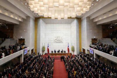Alcalde Sharp pide al Gobierno realizar la Cuenta Pública en Santiago