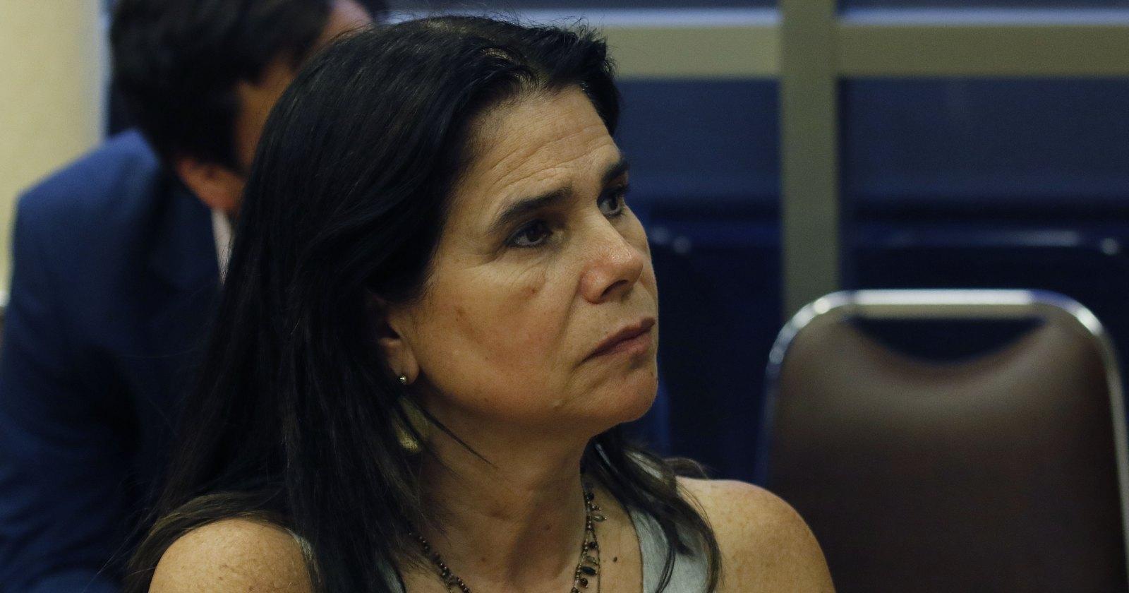 Alcohol y violencia contra la mujer: la petición de Ximena Ossandón a los supermercados