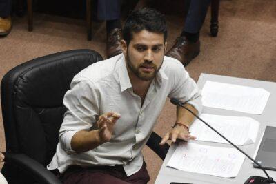 """""""Bancada de Súper Ricos"""": la ofensiva del Frente Amplio tras las donaciones de RD"""