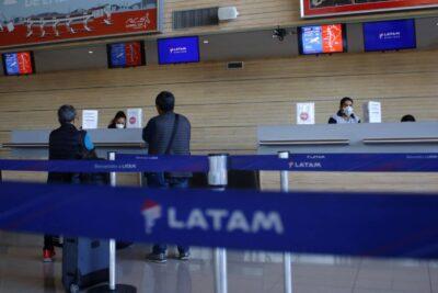 Acciones de LATAM se desploman cerca del 40% tras acogerse a Ley de Quiebra en EE.UU.