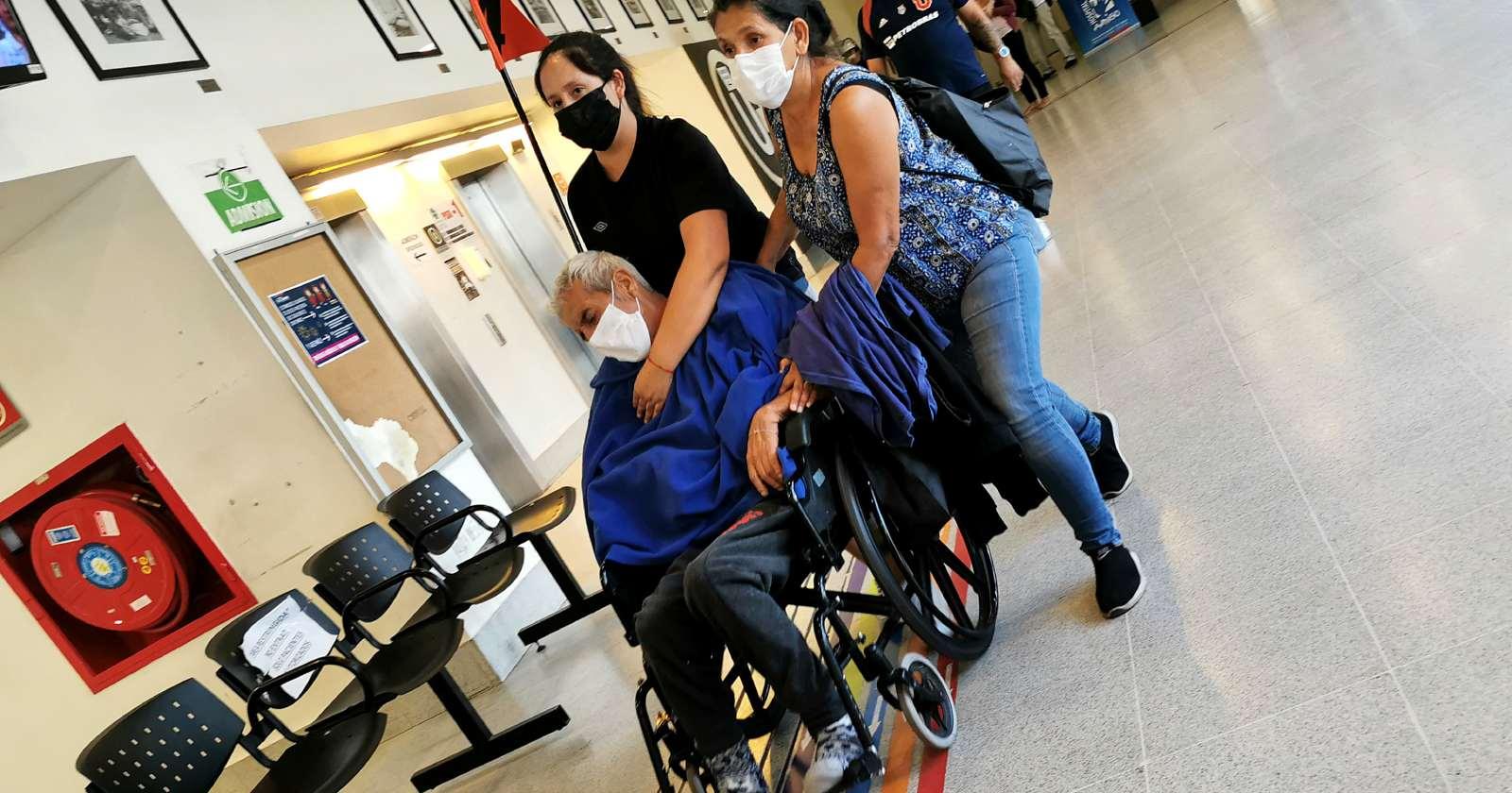 Hospital El Carmen reconoce falta de ventiladores mecánicos y camas críticas