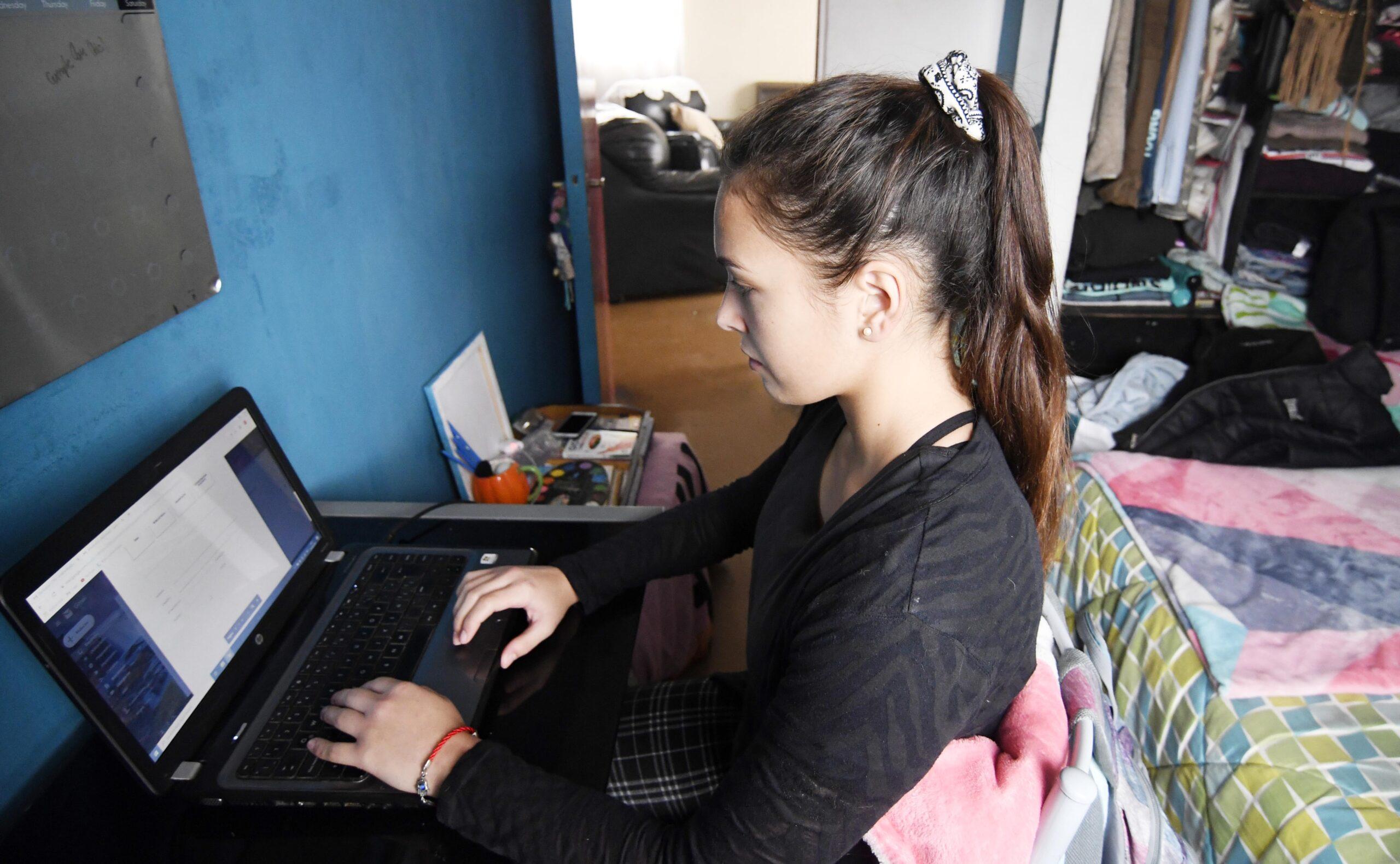Cómo mantener motivados a los estudiantes frente a las clases online
