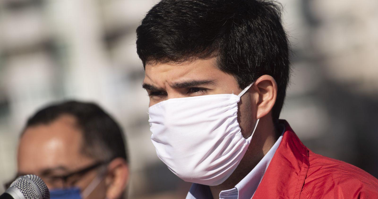 Julio Isamit es el quinto ministro que entra en cuarentena preventiva