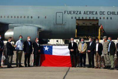 Presidente Piñera recibe donación de la CPC de 117 ventiladores mecánicos