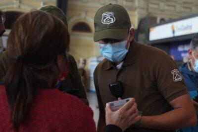 Detienen a mujer con coronavirus en Estación Central por incumplir cuarentena