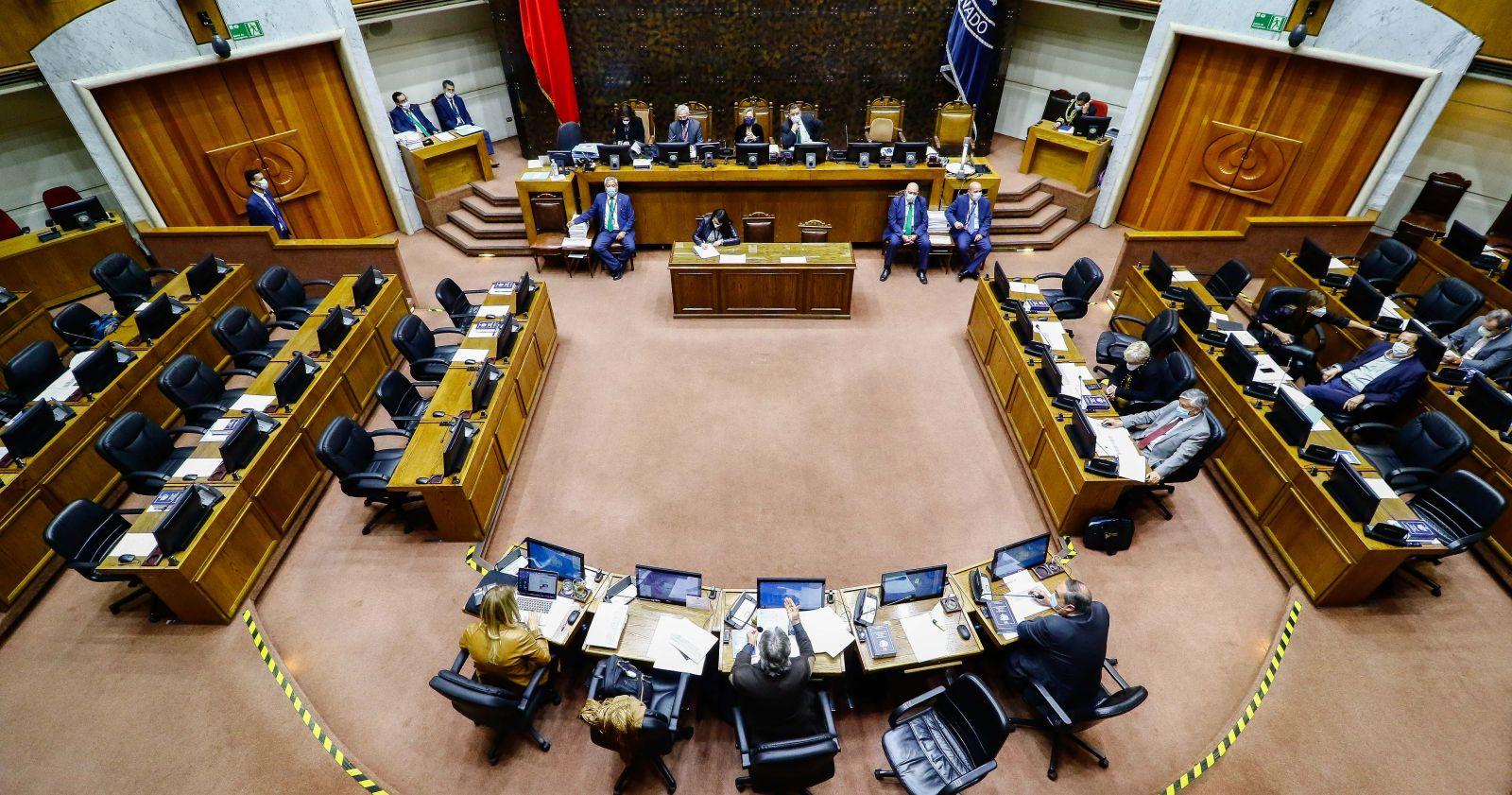 Senado debate quórum sobre escaños reservados para Convención