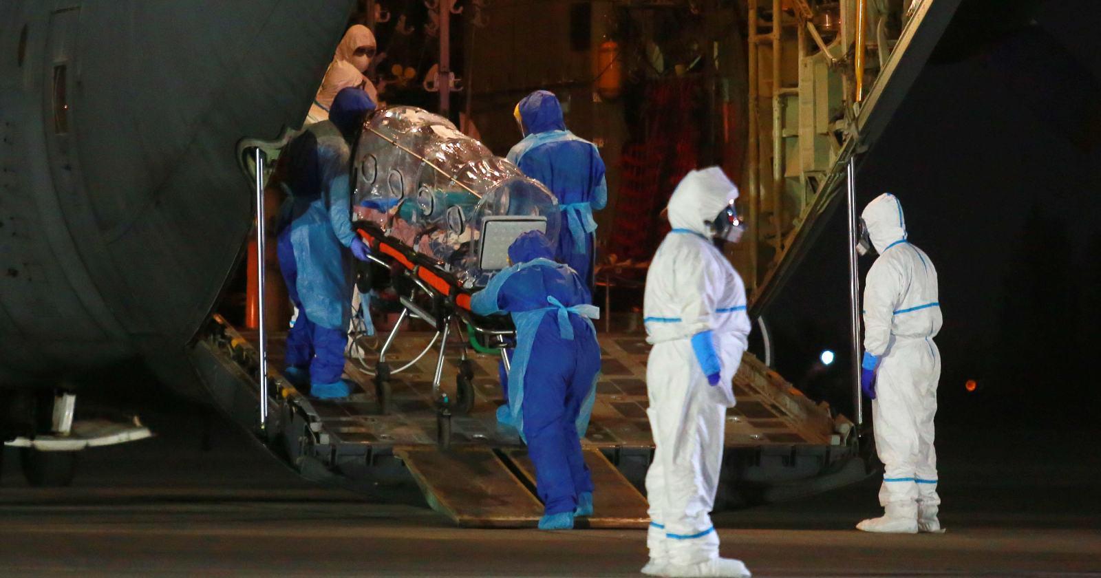 """""""FACh inicia traslado de pacientes Covid-19 desde Hospital Padre Hurtado al Biobío"""""""