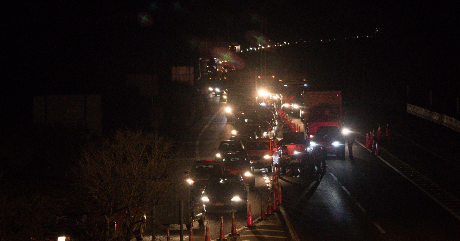 Masiva fuga de capitalinos a la costa para evitar cuarentena en Santiago