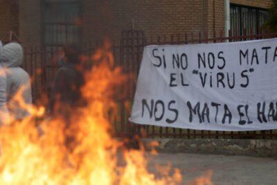 Alcaldesa de La Pintana responde a vecinos que protestaron con fogatas